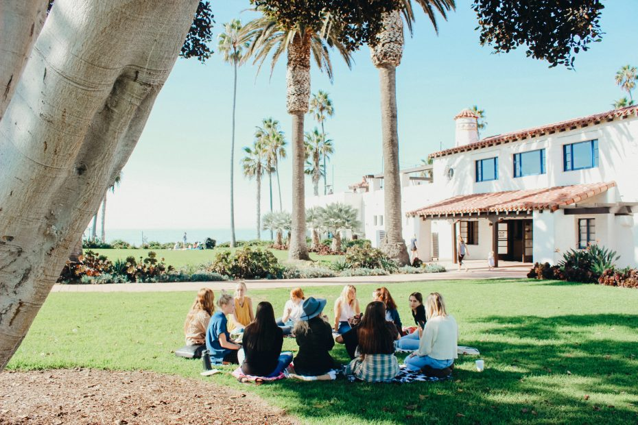 3-Reasons-Your-Teen-Should-Join-a-Youth-Group